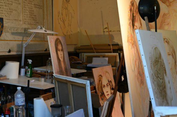 Akademiestaffeleien in einem Atelier